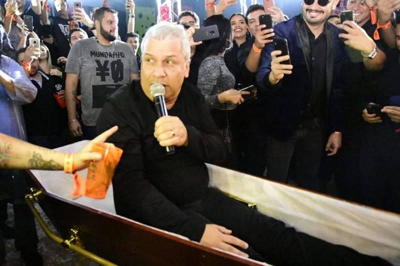 Em entrevista, apresentador Sikêra Júnior diz que pediu para morrer no 14º dia com coronavírus