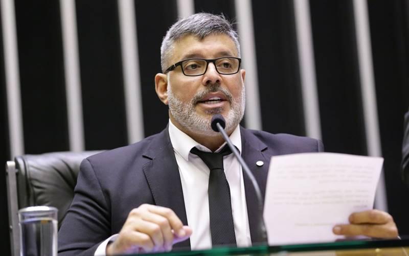 Projeto de Frota quer liberar 'showmício' virtual nas eleições deste ano